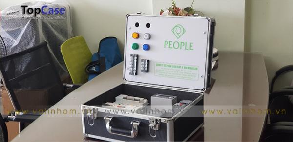 Vali demo thiết bị điện công tắc, ổ cắm, nút ấn, MCB